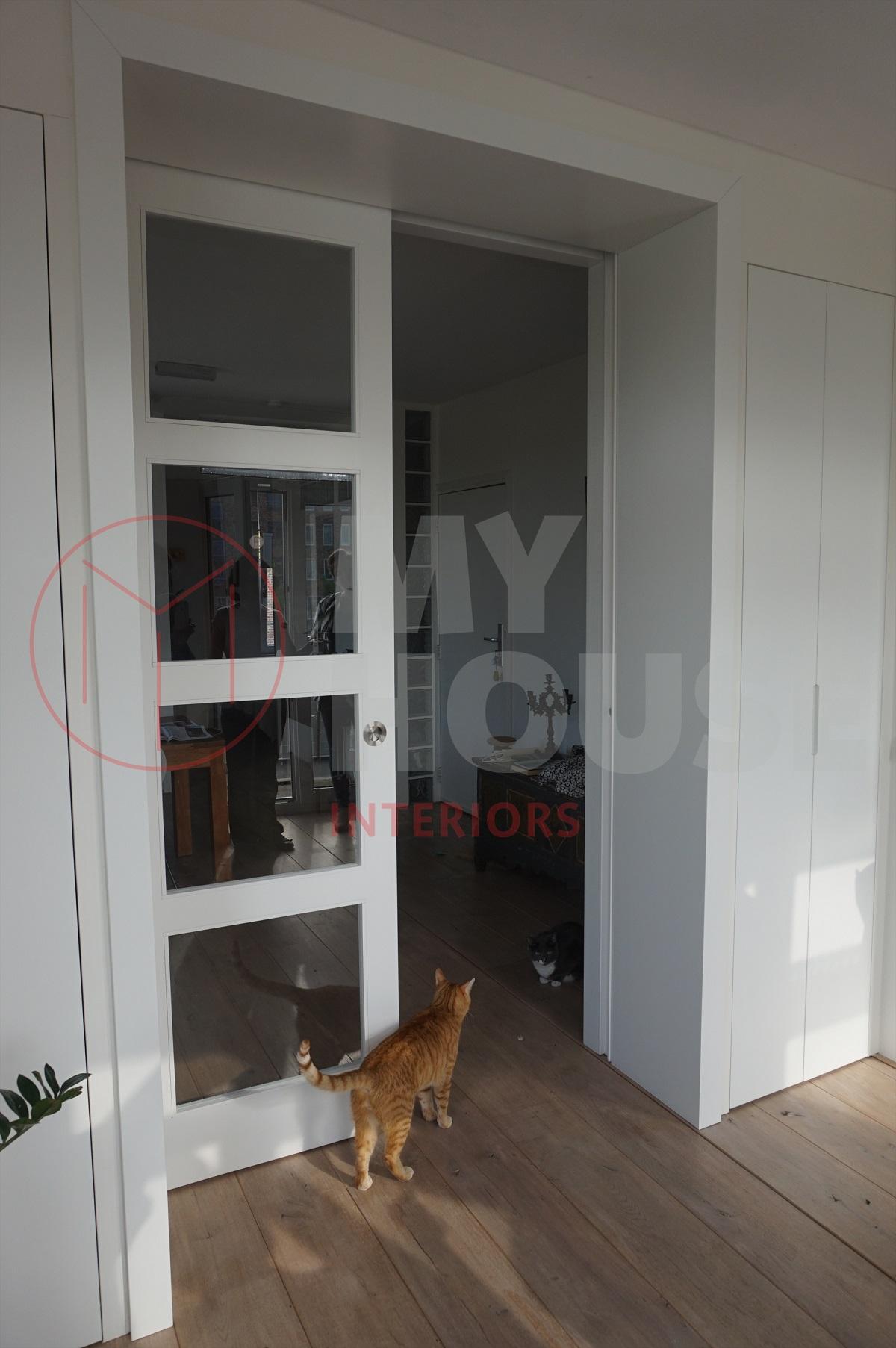 Moderne kamer ensuite in amsterdam for Moderne stijl kamer