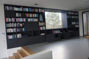 Bookcase_black_oak_2