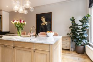 Kitchen_island_marble_oak_Amsterdam