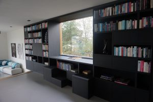 Bookcase_black_oak_1
